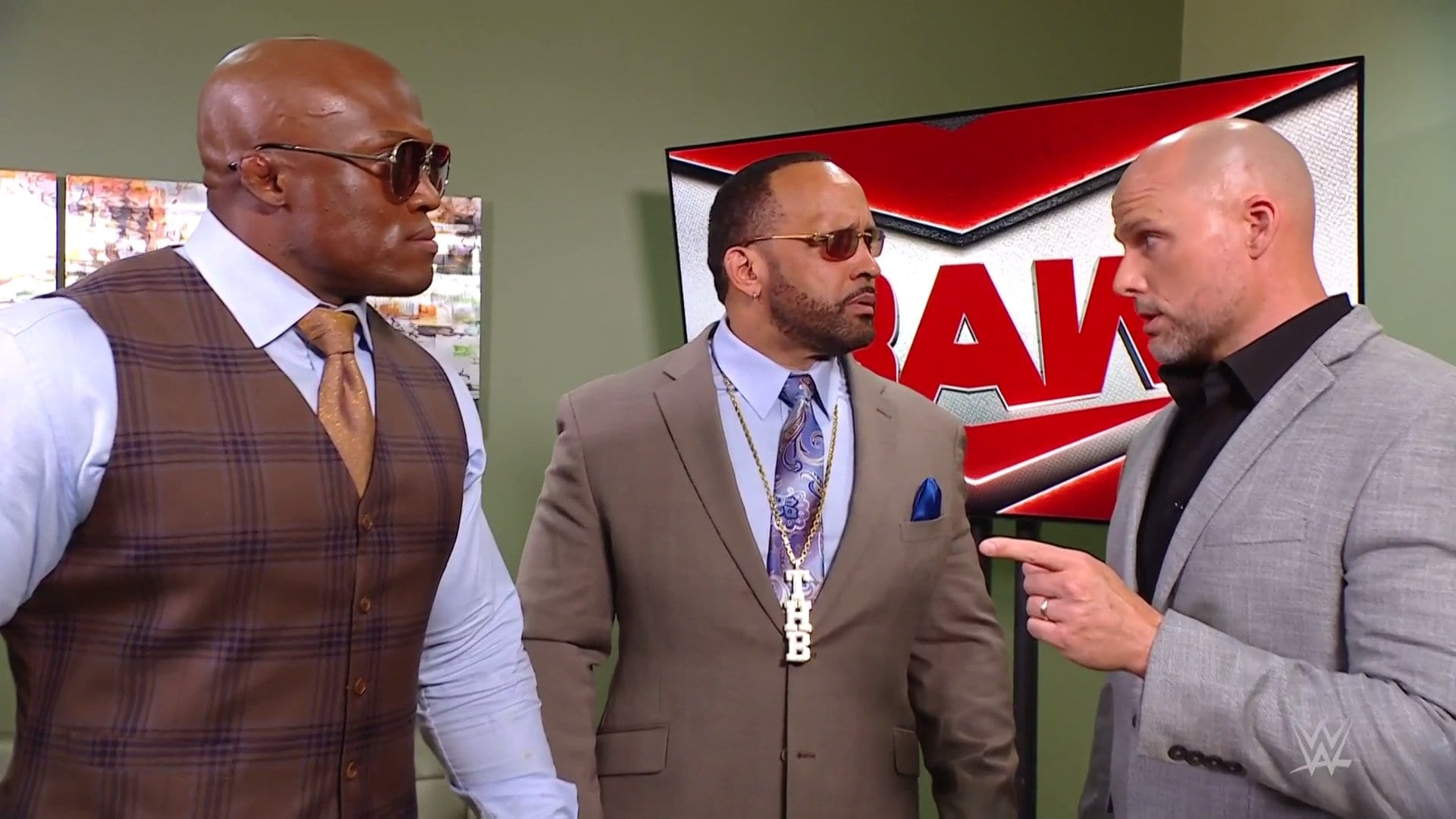 WWE Monday Night RAW Results – Women's Tag Team Main Event, Beat The Clock Match, More