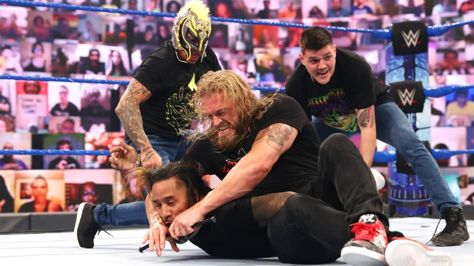 WWE SmackDown Results – Edge Calls Roman Reigns Out, WWE NXT Superstars Debut, More