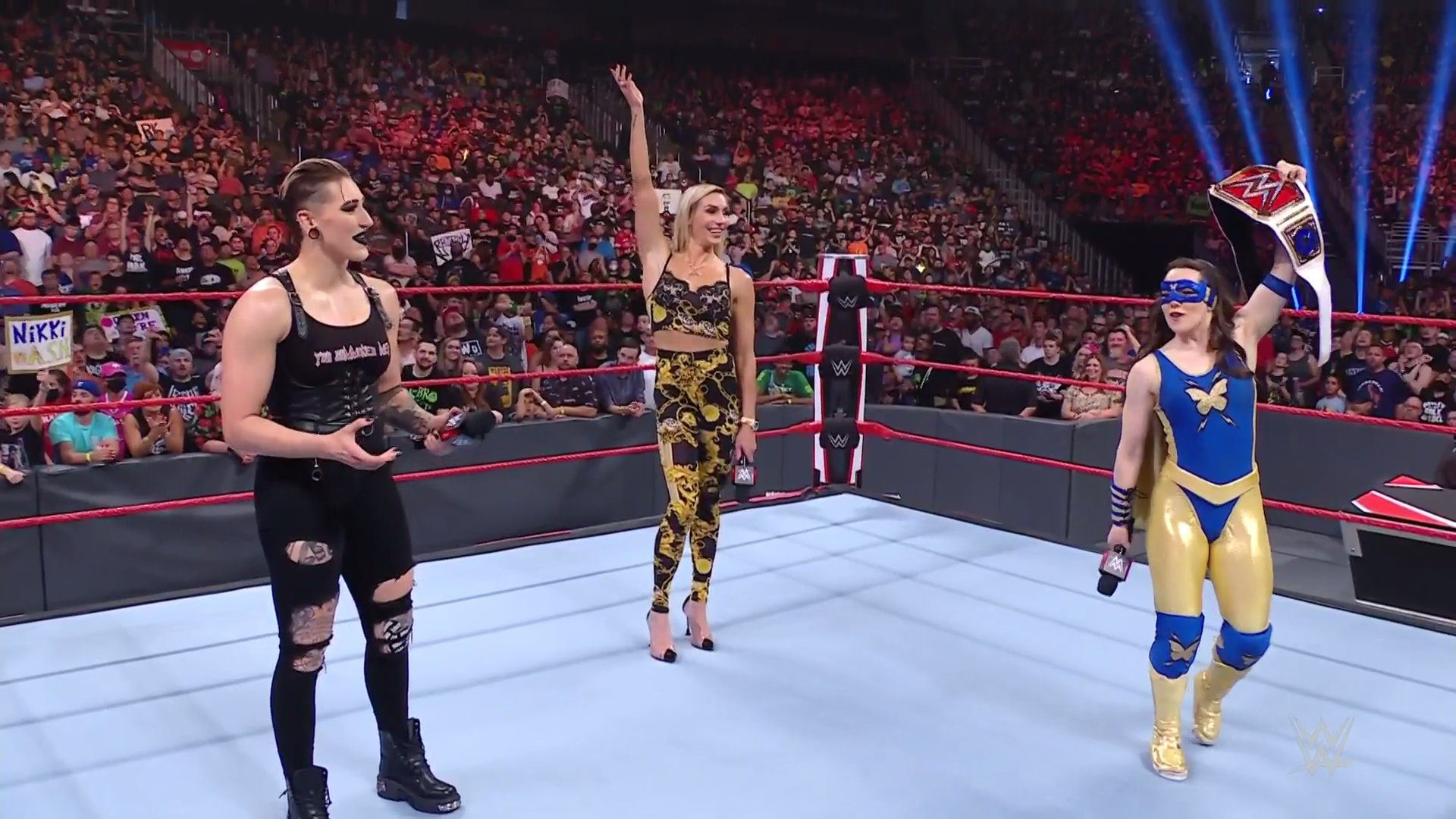 WWE Monday Night RAW Results – Handicap Match, Charlotte Flair Vs. Nikki A.S.H., More